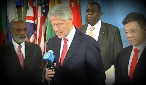 PHOTO: Haiti President Rene Preval and Bill Clinton in New York